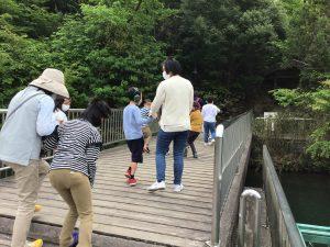公園を散策中